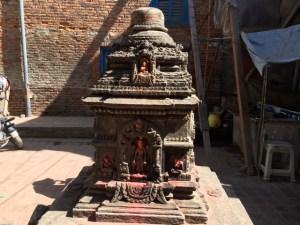 Nepálban buddhista szobor